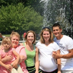 Family Fun at the Detroit Zoo: Madison, Vic, Adele, Jessica (pregnant with Kennedy), Christopher & Kurt (Photographer)