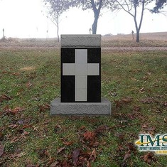 Family Estate - 6 Niche Cross Black Back