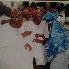 Prof&Mrs Adepoju given their blessings to the bride.. Adenike.,2005 God bless the family left behind