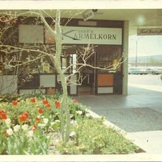 Korky's was one of the first stores in the new Park Lane Mall.