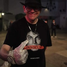 David was a proud Michael Jackson Fan :)