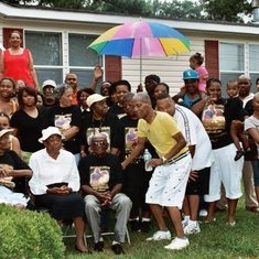 OUR ANNUAL FAMILY REUNION...it was drizzling rain and MOMMY is wearing that hat.,,lol