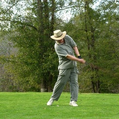 Glenn was an avid and talented golfer.  He and his brother Keith had many intense matches.