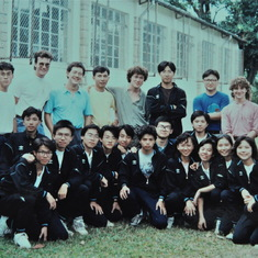 Lew and other postgrads and undergrads of HKU, 1990