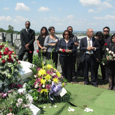lisa_fe_roldan_funeral_july30_2010_c.jpg