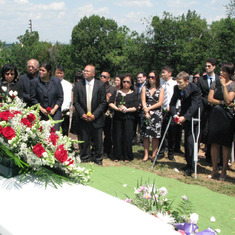 lisa_fe_roldan_funeral_july30_2010_d.jpg