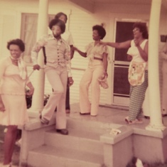 70s were fun. Liz always ready to dance and show out! Loved those days.