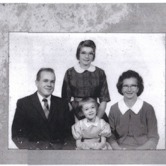 mom and daddy with Golda and sharon