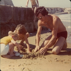 Ray with Sharon & Mark building sand castles in the Isle of Wight in 1976