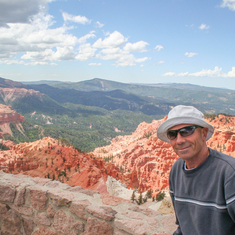 Living on the edge at Bryce Canyon N.P.