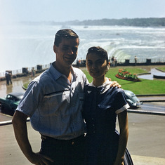 Richard & Loretta - honeymoon (Niagra Falls)