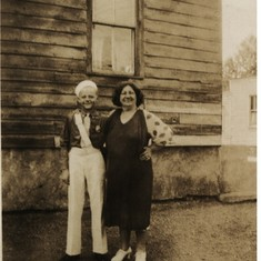 25. Robert 1933 with Ida Collier Jersey Ave.