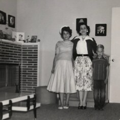 Trudy with her daughter Evelyn and son Austin, 1958