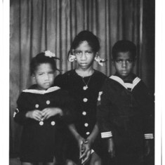 Aunt Juanita kids' left to right: Carolyn, Bettye and Al! Myra is not in this pic, she was a baby and not walking yet !:)